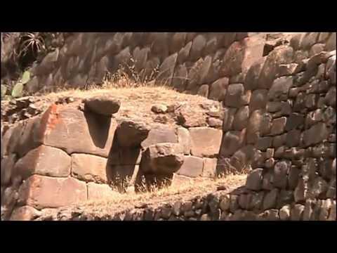 Ollantaytambo fuente del agua y ruinas arqueologicas