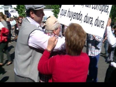 Resultado de imagen de polémica por una pancarta en la pradera