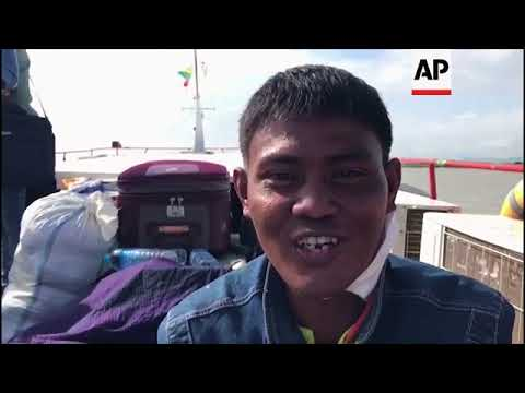 Rakhine state displaced flee on ferry