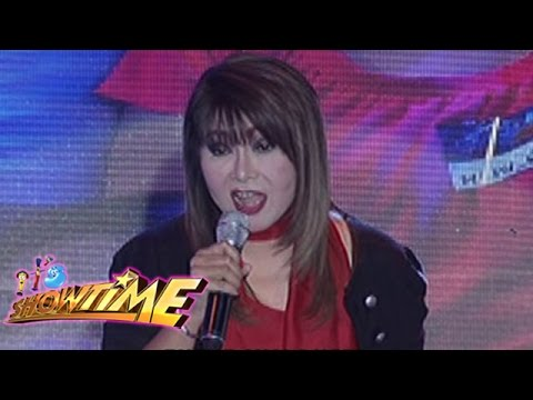 It's Showtime: Imelda Papin sings