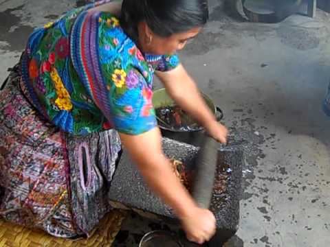 Lidia Lopez & her Family Making a Traditional Guatemalan Meal: Pepian/Pipian
