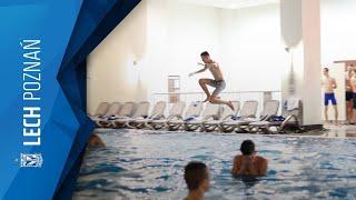 #LechBelek: Przyjazd do hotelu i przymusowa kąpiel trenera