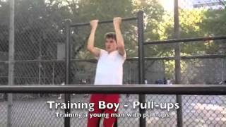 Maya's Fitness - Training a young man with pull-ups