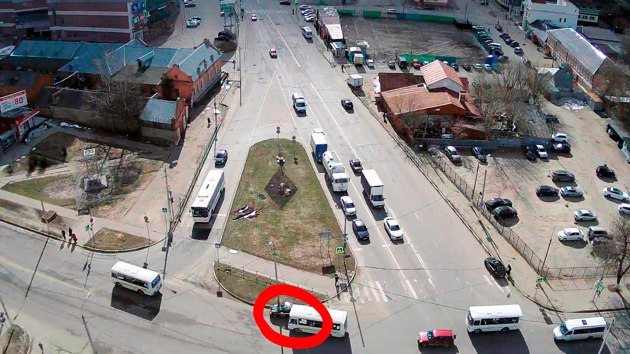 ДТП в Серпухове. Таксист не проскочил... 30 марта 2017г.