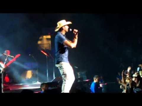 "Dean Brody ""Canadian Girl"" Live At Abbotsford Center September 25, 2015"