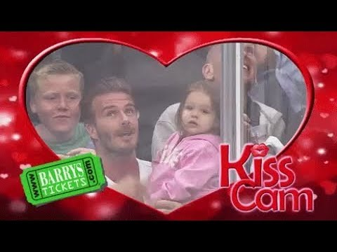 The best kiss cam ever