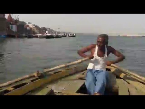 Travel - Accelerated small boat ride - Varanasi, India