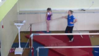 Аня, спортивная гимнастика, брусья (25.05.2011)