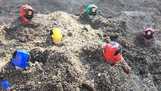 ルパンレンジャーvsパトレンジャー クイズ!!砂場から誰が出てくるかな!?ルパンレッド?パトレン1号?ルパンブルー?ルパンイエロー?だれかな?おもちゃ アニメ はたらくくるま
