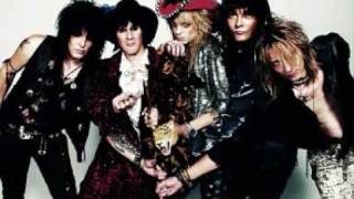 The original version of Hanoi Rocks Cafe Avenue, i prefer this vers...