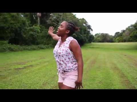 Rainha-French Gayana (clip officiel 2015)