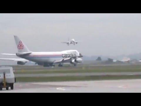 decolagem do boeing 747 400