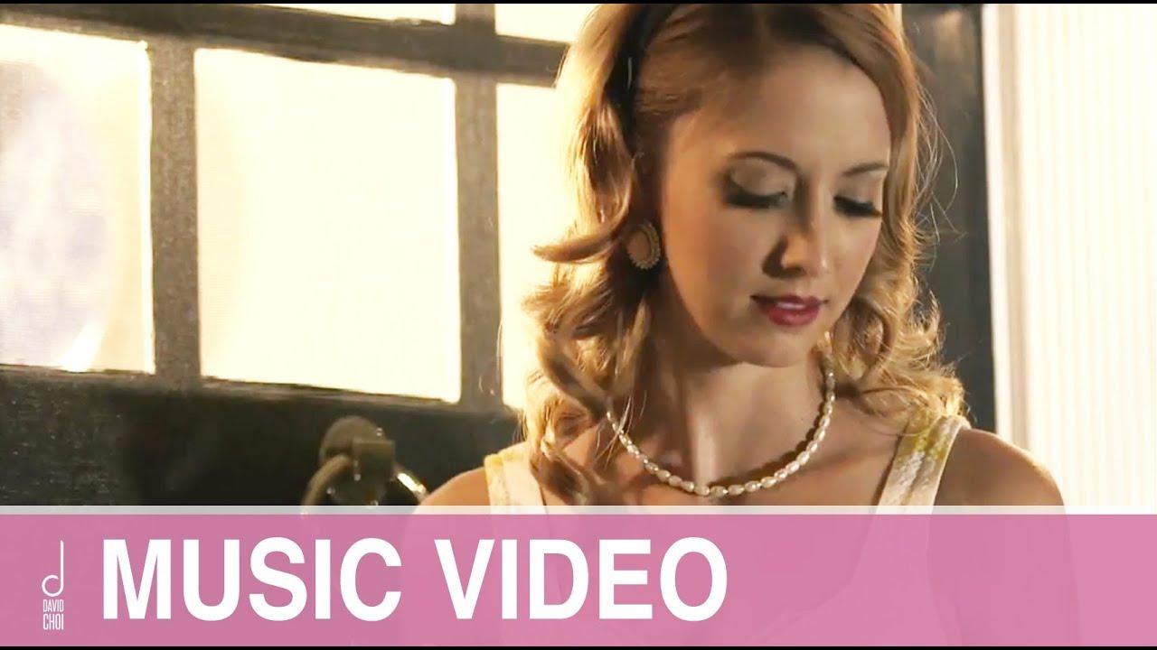 what country singer sings