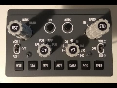 Montaje del panel EFIS de un B737 / B737 EFIS panel assembly