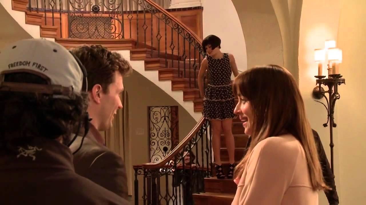 L'entrée dans la fameuse chambre rouge du beau christian grey. Cinquante nuances de Grey - Rita Ora - YouTube