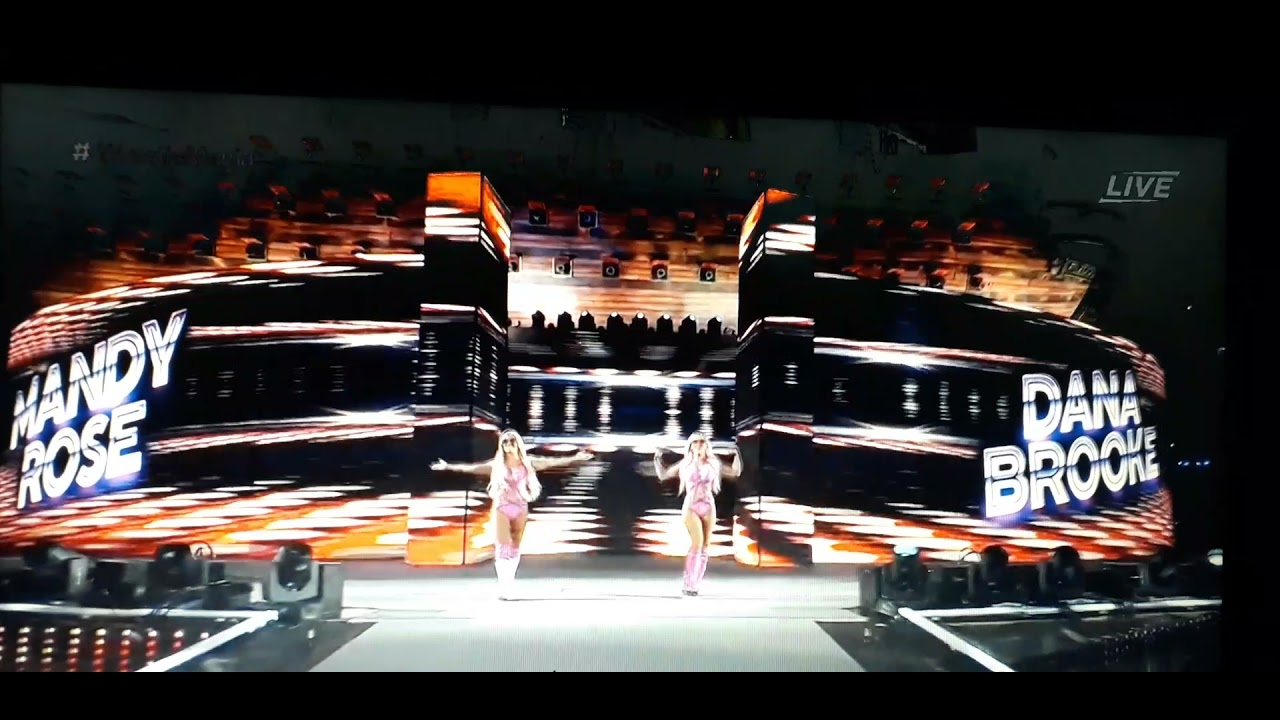 Entrada Wrestlemania 37 | Mandy Rose & Dana Brooke (Caída) - YouTube