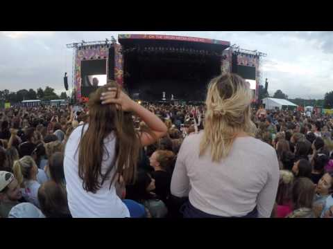 Sia live at V Festival - Diamonds