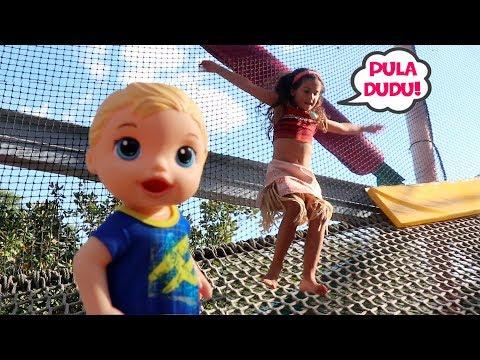 BABY ALIVE MENINO BRINCANDO NO PLAYGROUND COM MARIA CLARA ♥ Baby Alive Playground Fun For Kids