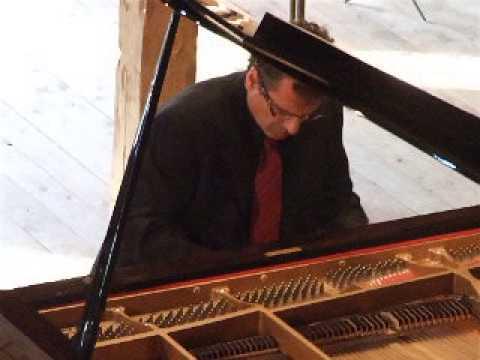 Beethoven Appassionata Op.57 (excerpt) - Lambis Vassiliadis, piano