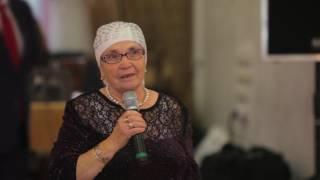 Бабушка на татарском поздравляет молодожен на свадьбе