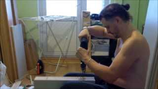 Сверлим отверстия под шурупы-конфирматы. Много и быстро :)(Собирать мебель в домашних условиях не сложно. На этом видео показан лайф-хак как быстро размечать и сверли..., 2013-12-27T02:01:58.000Z)