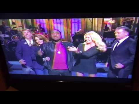 Tracy Morgan Hosts SNL With 30 Rock Cast