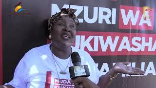 Diamond Platnumz ampa shavu nono Malkia wa Mipasho