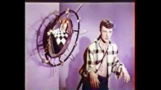 UNE BOUM CHEZ JOHN 1961 JOHNNY HALLYDAY par Studio-Louisiana.com
