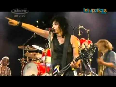 Joan Jett - Bad Reputation (feat. Foo Fighters) @ Lollapalooza Brasil