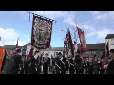 Apprentice Boys lay wreaths at Lurgan war memorial ahead of parade