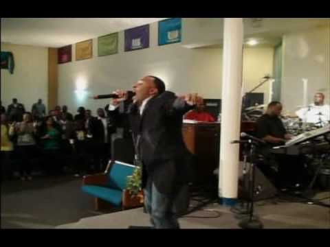 Kenny Lewis and One Voice Give Thanks