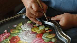 Russian handicrafts: Zhostovo painting