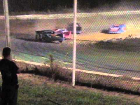 "Lakeville Speedway ""Blow Out"" Super Late Model Heat #1 Sept 24 2010"
