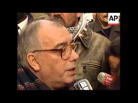 FRANCE: WORKERS PROTEST AGAINST GOVERNMENT WELFARE REFORMS