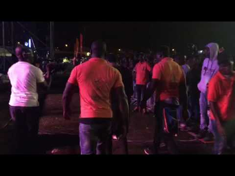 Magasco live in Gabon(performing fine boy)awesome moment