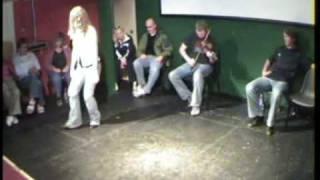 Caitlin Nic Gabhann & Seosamh O Neachtain dance