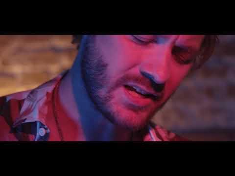 Смотреть клип Timecop1983 Feat. Josh Dally - Falling
