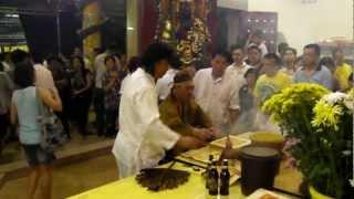 Nine Emperor Gods Sg Way Jigong God in trance.MP4