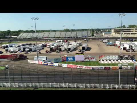 Live from Knoxville Raceway!