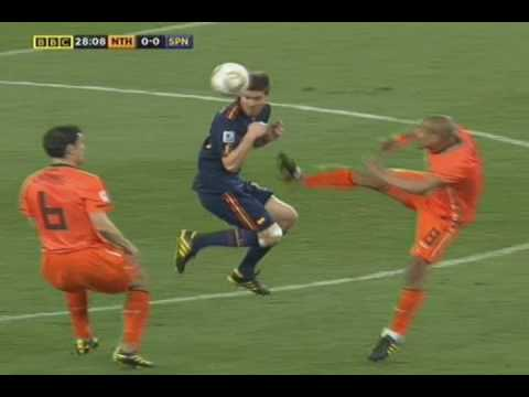 De Jong's Kung Fu Kick On Xabi Alonso- The Netherlands v Spain Word Cup Final