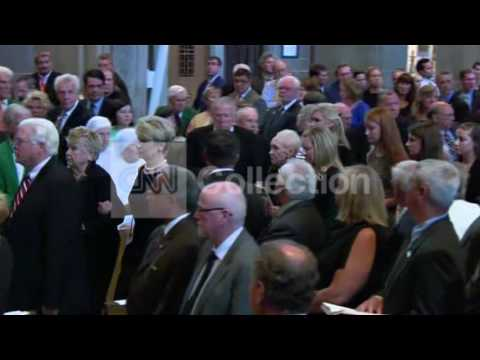 MD:ART DONOVAN FUNERAL- CASKET CHURCH CEREMONY