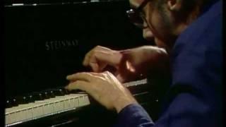 Glenn Gould-J.S. Bach-The Well Tempered Klavier (HD) thumbnail