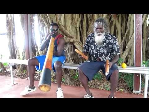 Manikay by Winiwini and Djalu Gurruwiwi