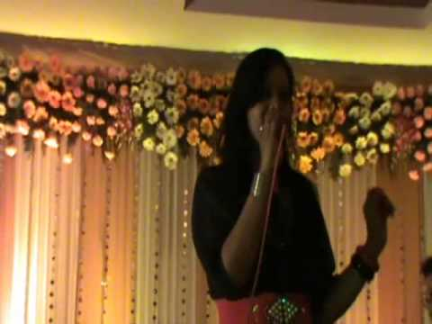 Female Karaoke Minus one Track Singer in Delhi,Gurgaon,Noida