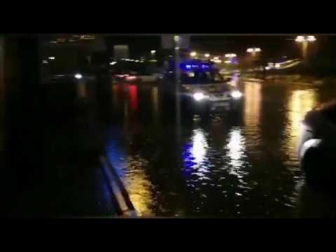 La borrasca Elsa provoca inundaciones en varias calles en Portonovo