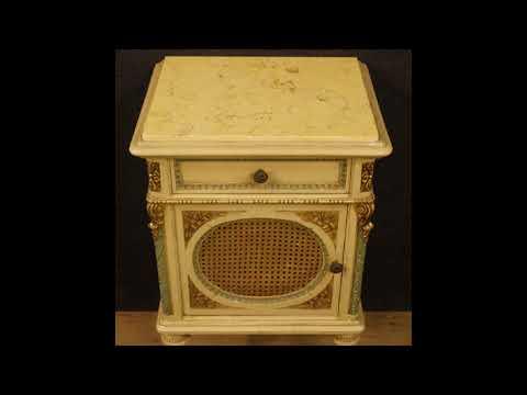Comodini italiani laccati con piano in marmo in stile Luigi XVI ...