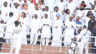 Akufo-Addo dances to Ernest Opoku Agyemang's performance @ Thanksgiving Service