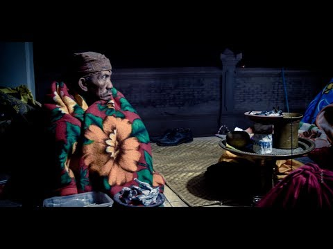 pujan-kesanga-ritual-of-bromo-people-jetak-probolinggo