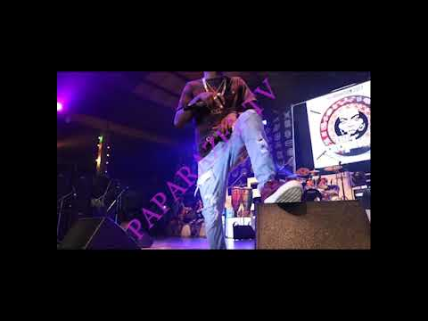 Small Doctor takes it back to back on stage