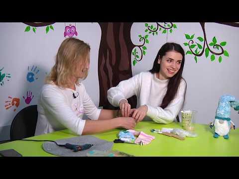 """TV7plus Телеканал Хмельницького. Україна: ТВ7+. """"Art школа"""". Майстер-клас з виготовлення гномика зі шкарпетки."""